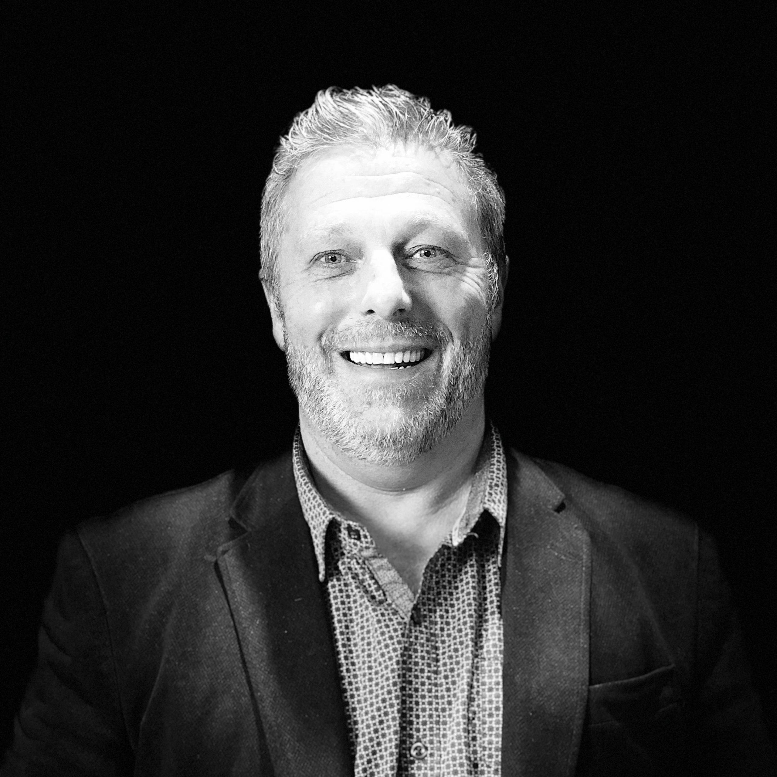 Portrait en noir et blanc de Gilles Paquette