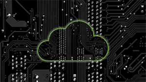 nuage au-dessus des composantes informatiques